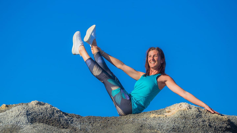 Pilates und Stretching nach Liebscher&Bracht. Gruppentraining in Costa Teguise, Lanzarote mit Bettina Strauss - studio of movement